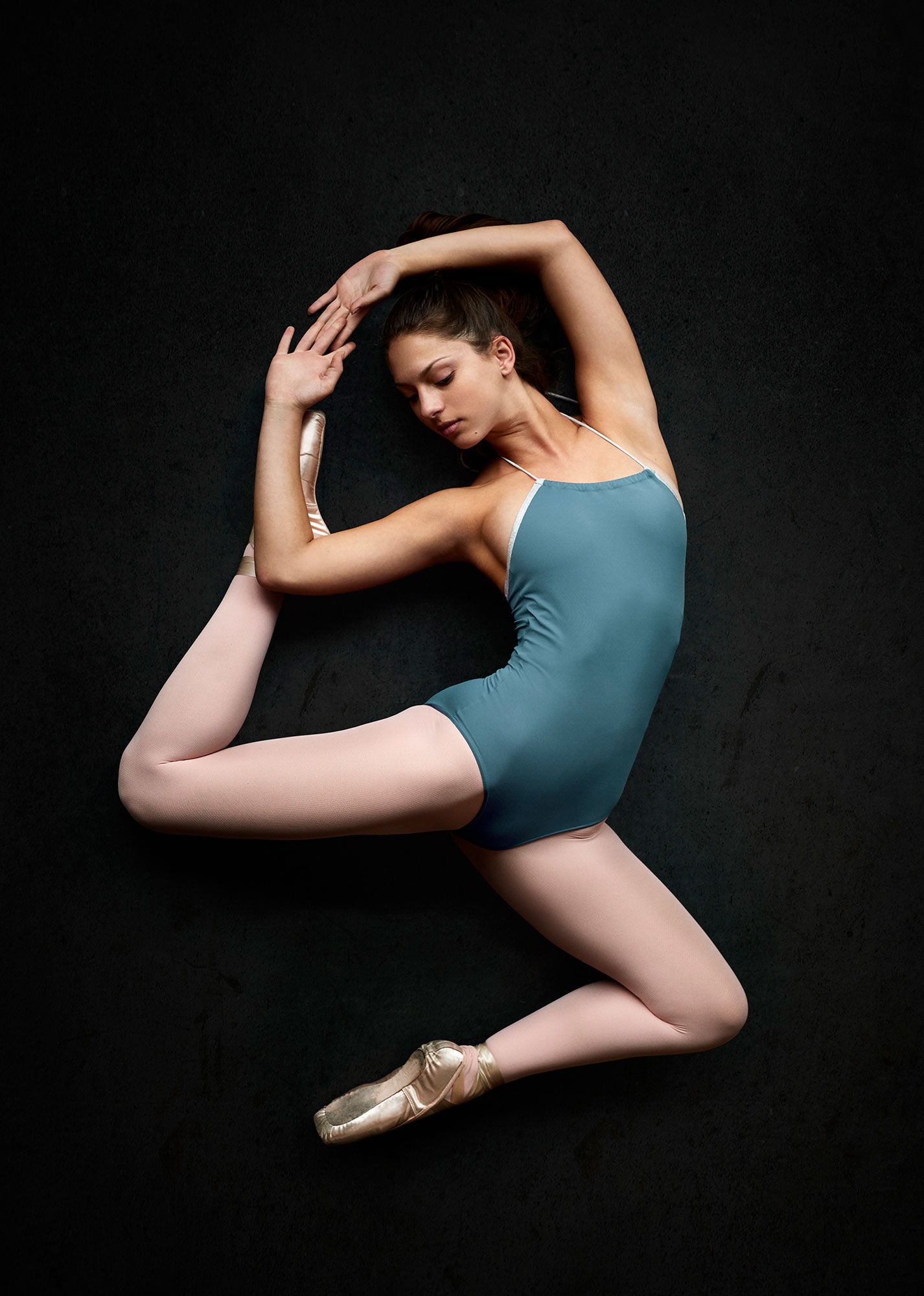 ABBOTT_CA_DanceStudio_Stretching_0023_RGB_2