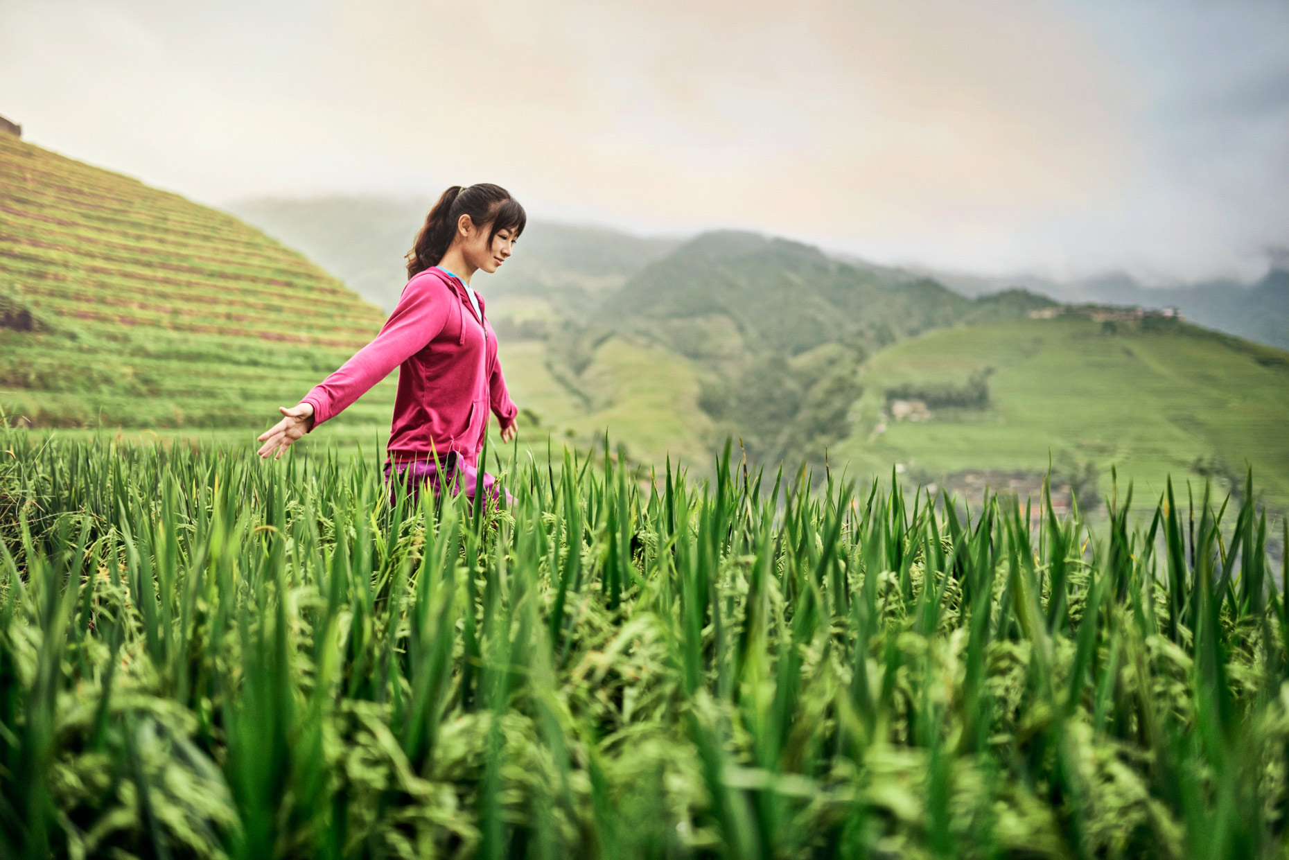 Abbott_China_Longji_Shot_04_Girl_In_field_0030_v3_Highres_TIFF_004
